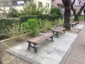 戸塚桜まつりプロムナードのベンチ